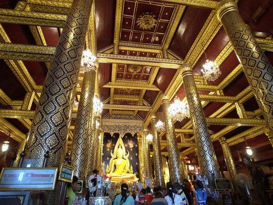Ruinen des alten Tempels - Picture of Phra Si Ratana Temple (Wat Yai), Phitsa...