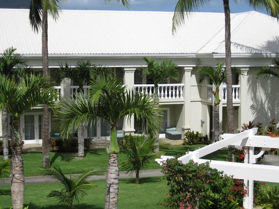 Sugar Beach Golf & Spa Resort: the 2 story high accomodation in the hotel gardens , we had 2 ground floor rooms on here