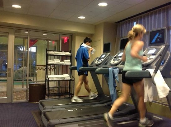 Residence Inn Boston Harbor on Tudor Wharf: exercise room