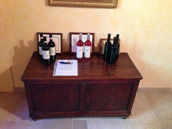 Fattoria Poggerino: Wine available for consumption
