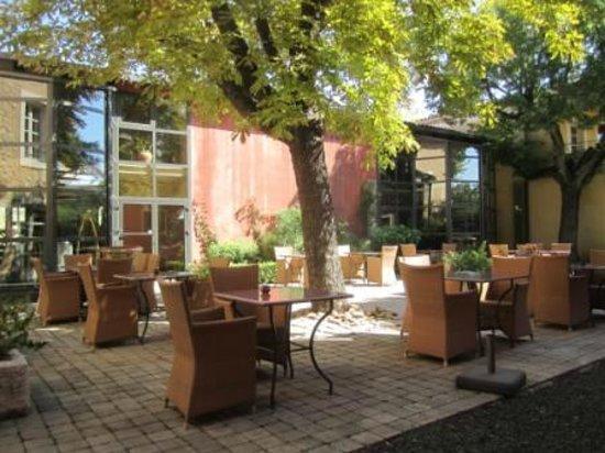Villa Augusta : courtyard