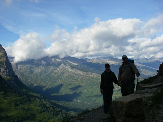 Glacier Guides and Montana Raft : Highline Trail