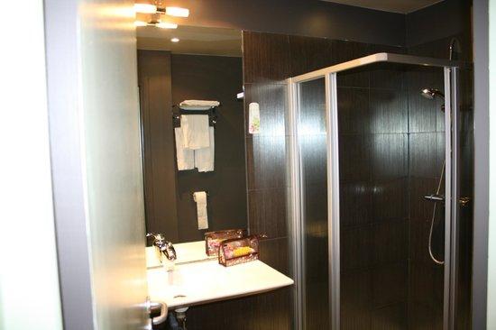 Le Fabe Hotel : stanza da bagno