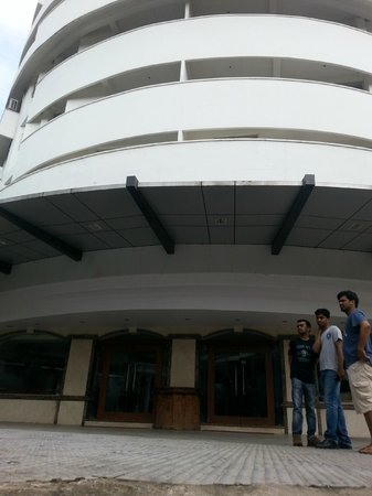 Emarald Hotel Cochin: Entrance