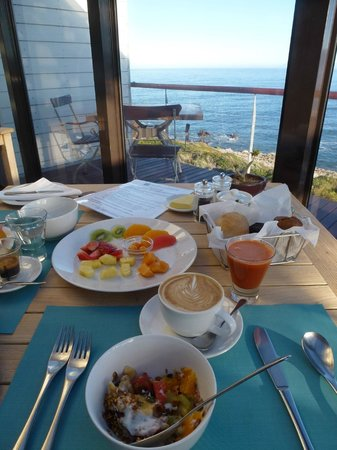 Cliff Lodge: Breakfast