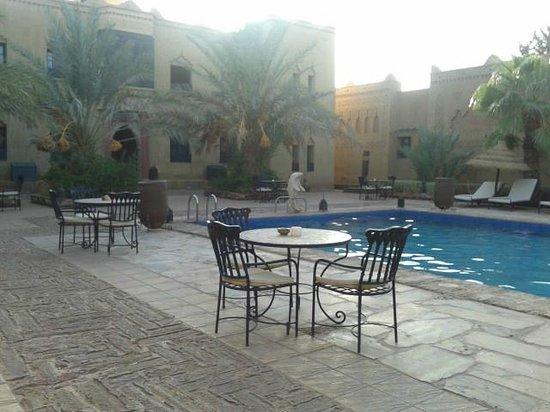 Kasbah Tizimi: Saltwater pool
