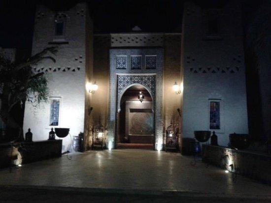 Kasbah Tizimi: Main entrance