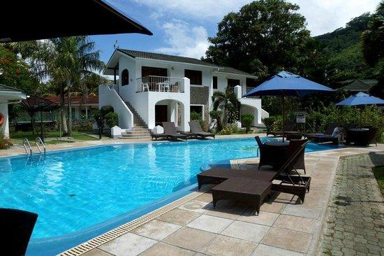 Sun Resort: Территория отеля, бассейн