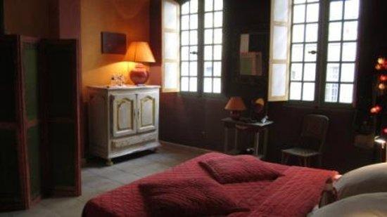 La Banasterie : nice bedroom