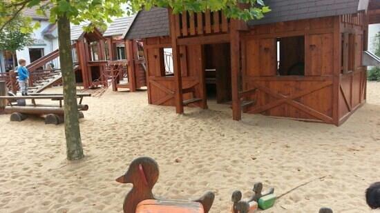 Wertheim Village: العاب تسلية للاطفال