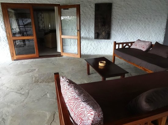 Temple Point Resort: Vearanda, shared by guests in two rooms