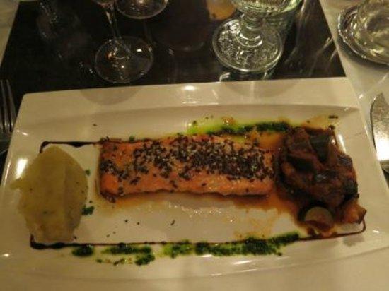 Le Brigadier du Theatre : salmon steak