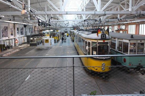 Strassenbahnwelt Stuttgart: Blick in die Museumshalle