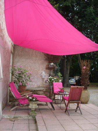 Hotel La Gabetiere : un coin de la terrasse du manoir