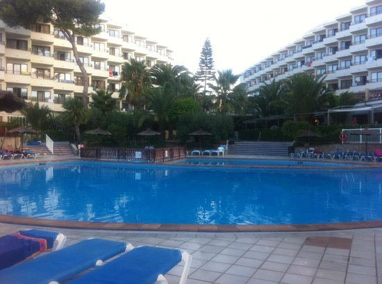 Alua Miami Ibiza: hotel and pool