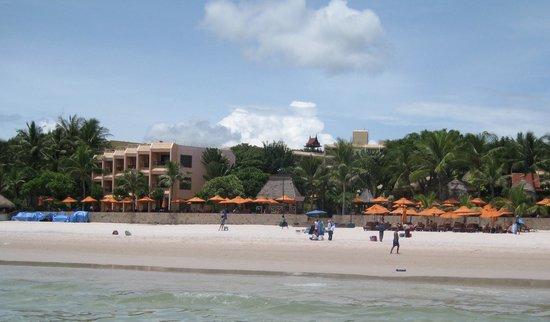 Marriott Hua Hin Resort & Spa: Set fra vandet.