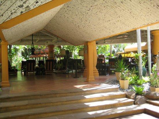 Marriott Hua Hin Resort & Spa: recepcionsområdet.