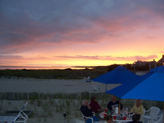 Inn On The Beach: Sunset on the beach