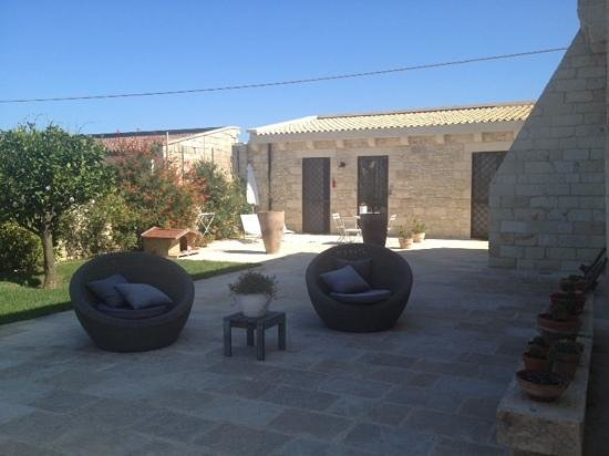Masseria Vittoria : dettaglio giardino