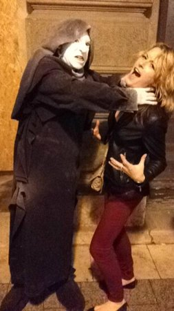 Free Budapest Tours & Multilingual Guides: Budapest Ghost Tour - SCARY! :)