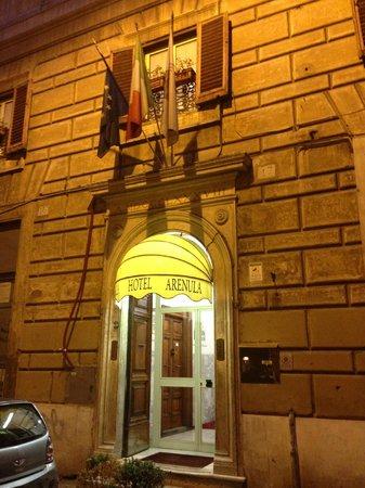 Hotel Arenula : Hotel Entrance