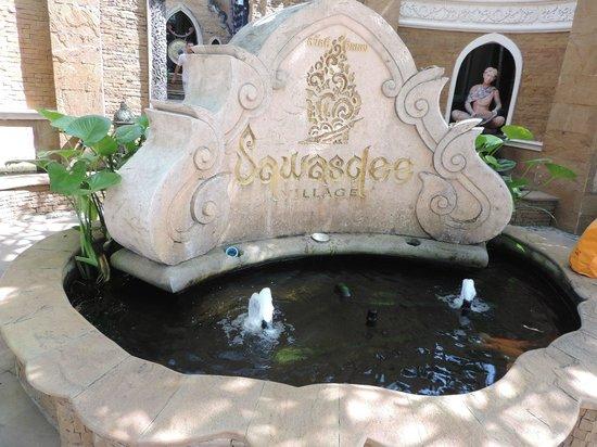 Sawasdee Village: main entrance