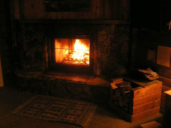 Ireland's Rustic Lodges : Fireplace worked fine, no smoking into the room