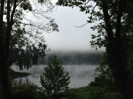 Depuy Townhouses : Early morning mist on the Delaware River, Shawnee on Delaware.