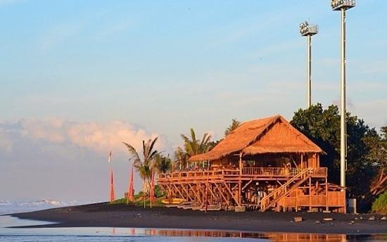 Komune Resort, Keramas Beach Bali: komune warung at Keramas