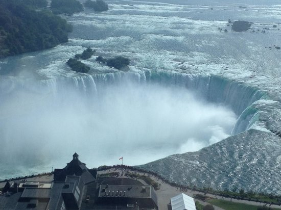 Embassy Suites by Hilton Niagara Falls Fallsview Hotel : Horseshoe Falls - View from room on floor 34