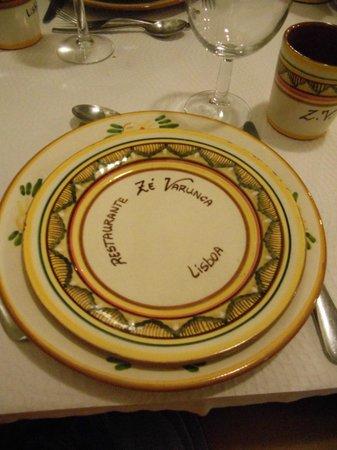 Ze Varunca: piatti in ceramica dipinta