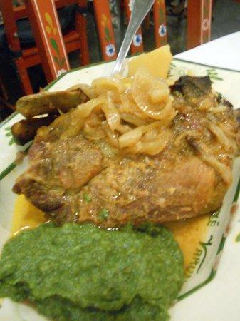 Ze Varunca: manzo in umido con purea di spinaci