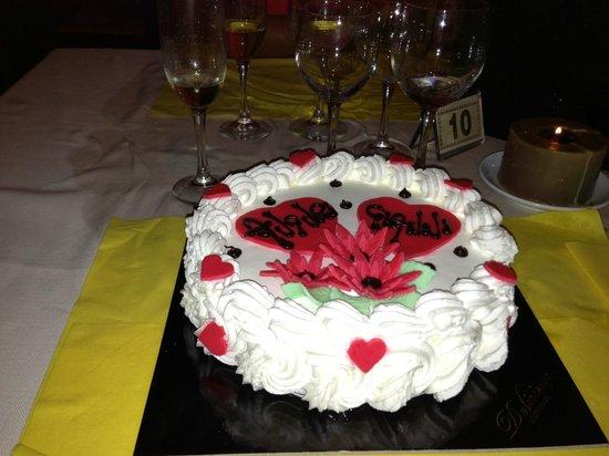 """La torta fatta per la mia festa dal """"Lu Frizzulu"""