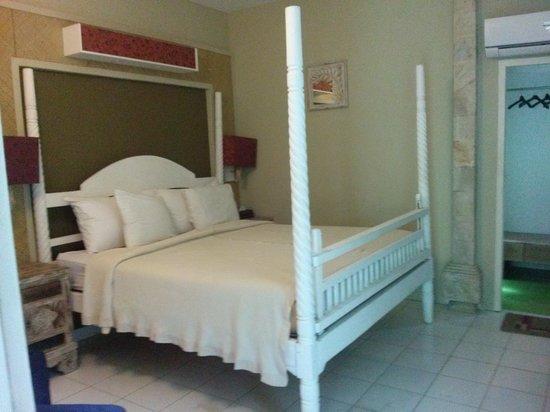 Nyima Budget Inn : Bedroom