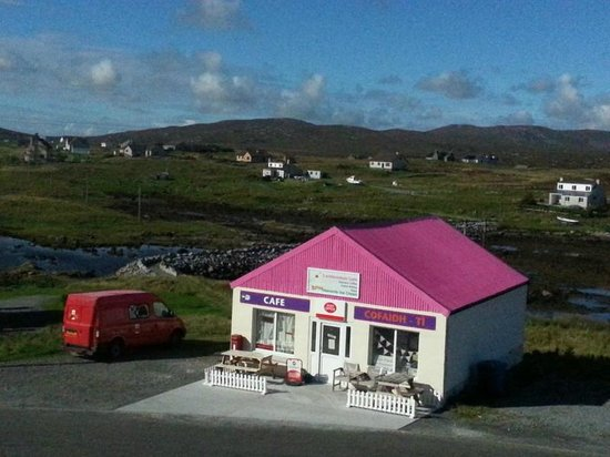 Uist Coffee Shop: Look for the Pink Roof