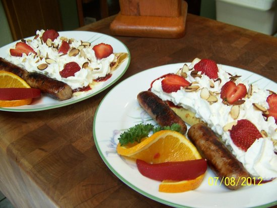 Daybreak Haven B&B: Do you like breakfast sweet...