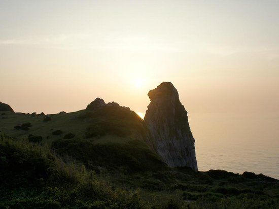 Saruiwa: 夕日と猿岩