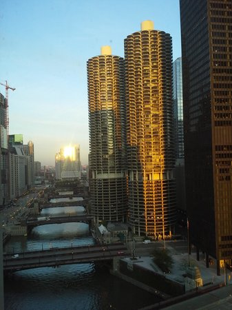 Club Quarters Hotel, Wacker at Michigan: Morning view from my room.  Perfect!