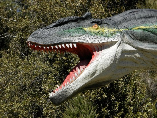 Parque Nahuelito: Dinos
