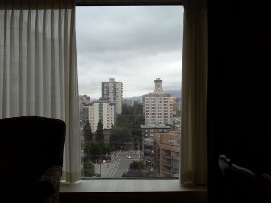 Sutton Place Hotel Vancouver: View from my window