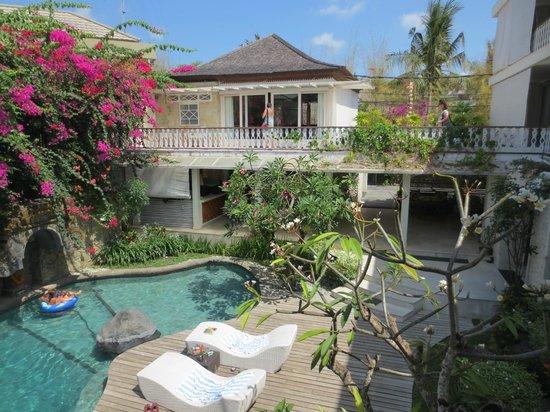 Villa Kresna Boutique Villas: swimming pool area