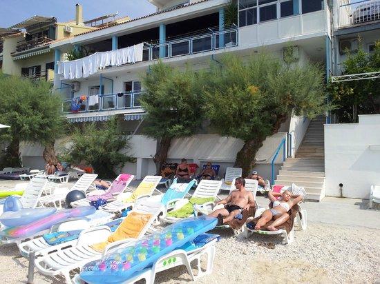 Pansion Zanic: Hotellet sett fra havet.
