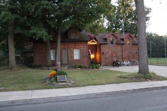 The Getaway Inn at Cooper's Woods : Getaway Inn