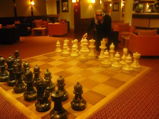 Carlton De Brug Hotel: Chessboard in the lobby