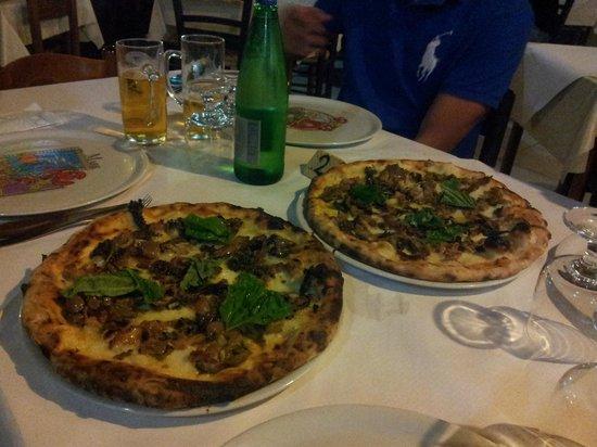 Pizzeria 'O Rre: PIzza Giorgia
