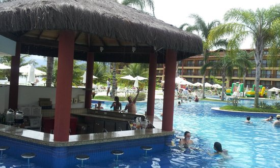 Promenade Angra dos Reis: Bar da piscina