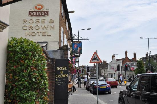 Rose and Crown: Wimbledon High St