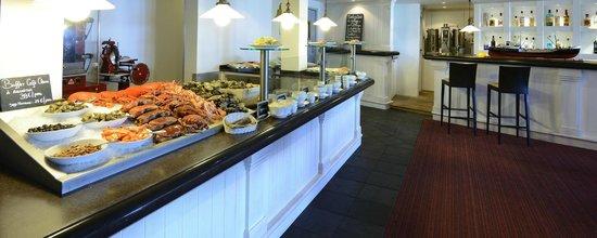 Castel Clara Thalasso & Spa : Le buffet de fruits de mer du Café Clara