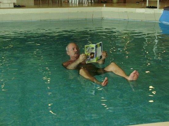 Leonardo Club Dead Sea Hotel : Можно и почитать!