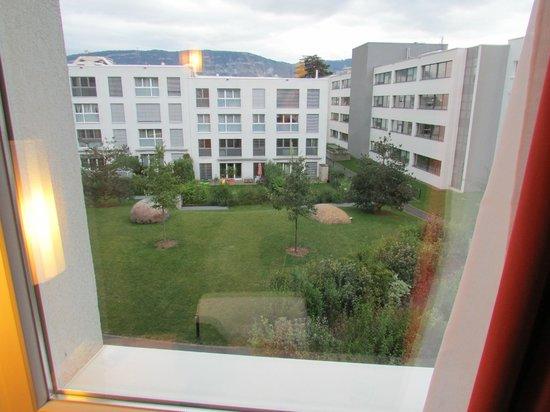 Ibis Geneve Petit Lancy: View from hotel window
